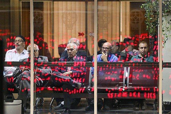سهامداران شرکتهای بورسی شاهد افت قیمتها هستند