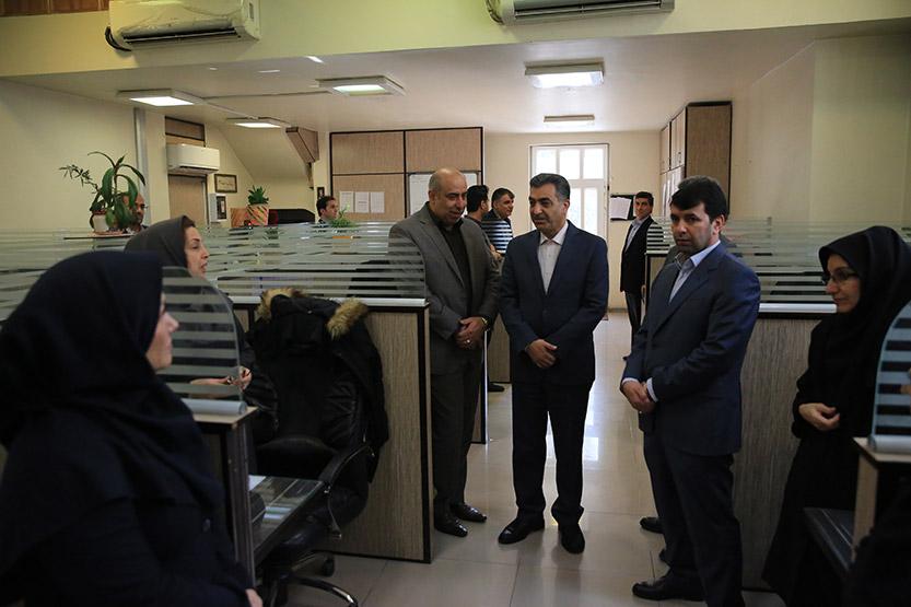 پرداخت 40 هزار فقره وام رفع احتیاجات ضروری در بانک ملی ایران / نصب 60 خیلی ساده است