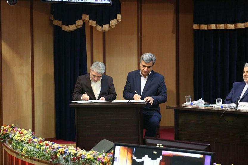 امضای تفاهمنامه همکاری بانک ملی ایران و استانداری گیلان در حضور رئیس جمهور