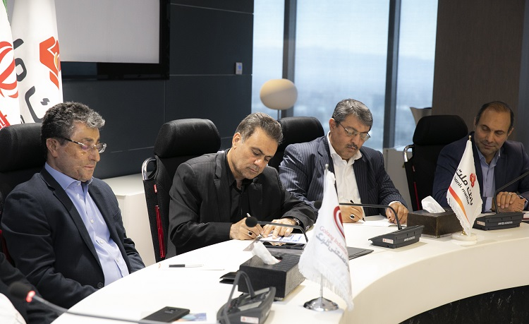 تاکید مدیران عامل بانک ملت و گروه صنعتی گلرنگ بر تقویت همکاری ها
