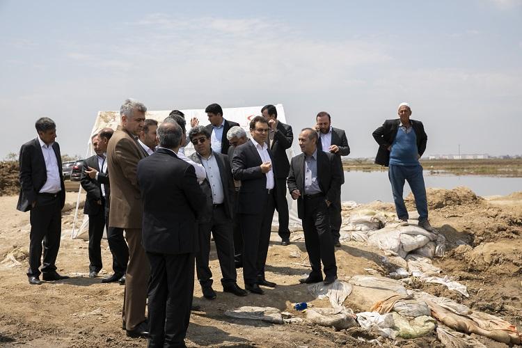 بازدید مدیرعامل بانک ملت از مناطق سیل زده استان گلستان
