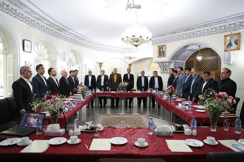 دکتر حسین زاده: توسعه بانکداری دیجیتال اولویت بانک ملی ایران است