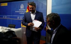 فرار مالیاتی ۱۰ سال پیش کار دست وزیر اسپانیایی داد