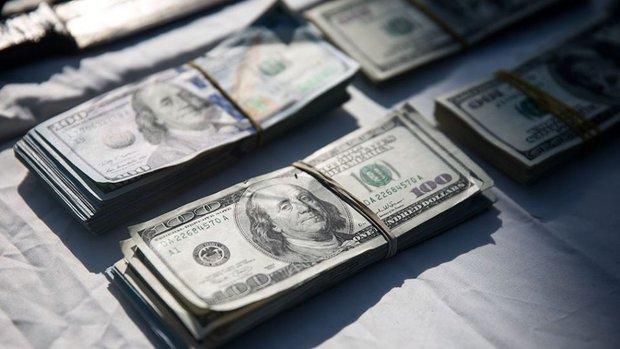 دلالان منتظر جهشهای ارزی نباشند/ ارز بودجه چطور رانتزا میشود؟