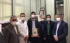 برپایی میزخدمت حوزه مقاومت بسیج بانک ملت در بیمارستان امام خمینی (ره)