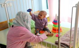 با پرداخت کفاره و فطریه به محک همراه کودکان مبتلا به سرطان در این روزهای سخت باشیم